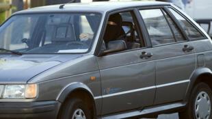 Alemanha: ministro quer proibir o uso do véu islâmico integral ao volante.