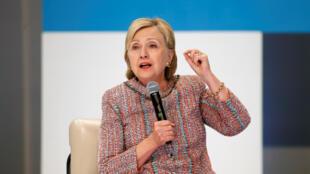 លោកស្រី Hillary Clinton