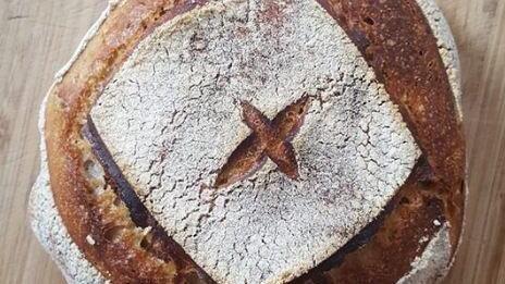 Во время карантина фотографии хлеба домашней выпечки заполнили социальные сети.