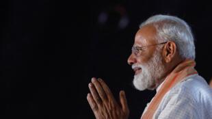 Le Premier ministre Narendra Modi remercie ses supporters lors d'un meeting à New Dehli, le 8 mai 2019.