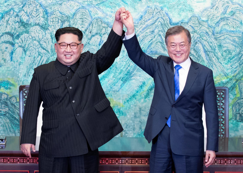 2018年4月27日,朝韩两国领导人发表《板门店宣言》资料图片