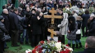 O enterro de Boris Nemtsov, no dia 3 de março, em Moscou, reuniu personalidades estrangeiras e admiradores do opositor.