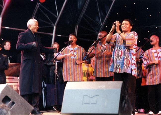 Ladysmith Black Mambazo et Nelson Mandela.