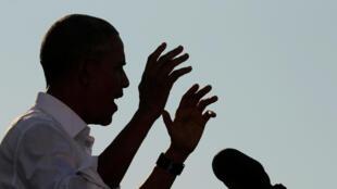 Barack Obama katika jimbo la North Carolina, akifanya kampeni kwa niaba ya Hillary Clinton, Novemba 2, 2016.