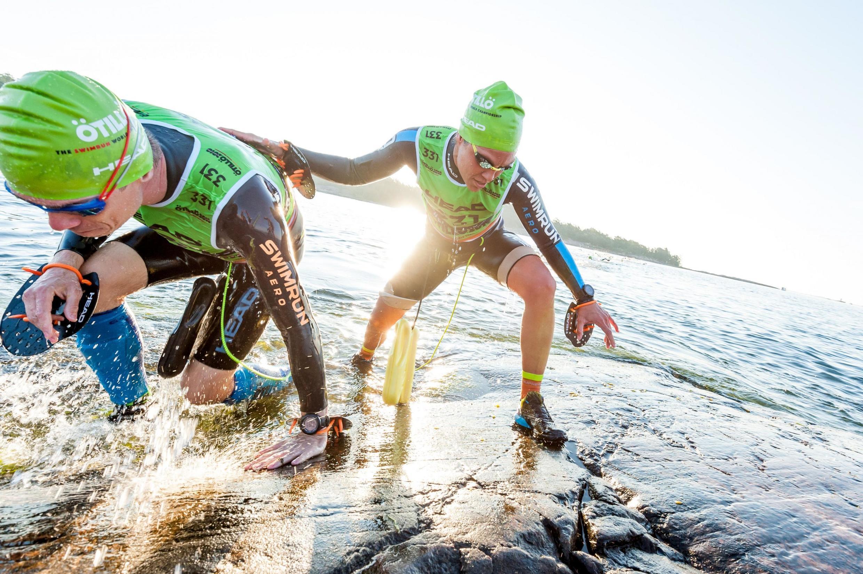"""O torneio Ötillö - que, em sueco, quer dizer """"de ilha em ilha"""", se tornou um fenômeno global, com quase 500 competições em diversos países - incluindo o Brasil."""