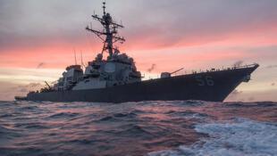 圖為美國驅逐艦USS John S.McCain