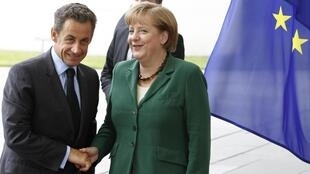 លោកសាកូហ្ស៊ី (Sarkozy) និងលោកស្រីមែរកិល (Merkel) ជួបគ្នាកាលពីល្ងាចថ្ងៃពុធ ២០ កក្កដា ២០១១