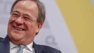 Armin Laschet, fiel de Angela Merkel, é o novo Presidente da CDU, na Alemanha