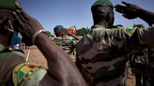 Soldados malienses en una ceremonia en Bamako, el 22 de septiembre de 2020