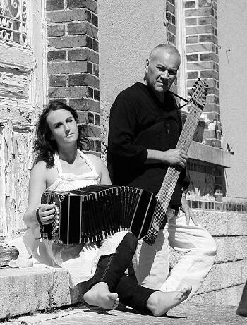 Ninon Valder y Nicolás Brizuela
