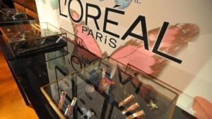 Des produits cosmétiques de la marque française L'Oréal, exposés à Los Angeles en septembre 2013 (photo d'illustration).