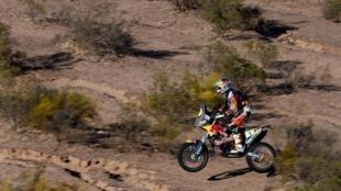 Toby Price (KTM), piloto australiano, líder na categoria das motos no Rali Dakar.