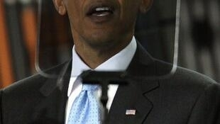 Barack Obama y su teleprompter, mayo de 2010, Fremont, California.