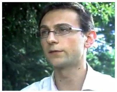 Manuel Domergue (capture d'écran), un des auteurs de l'ouvrage «Kamerun!», paru aux éditions La Découverte.