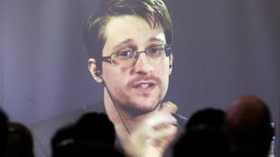 Edward Snowden, en visioconférence avec l'Ecole de droit de Buenos Aires, depuis Moscou, le 14 novembre 2016.