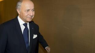 Глава МИД Франции Лоран Фабиус в Женеве 9 ноября 2012.
