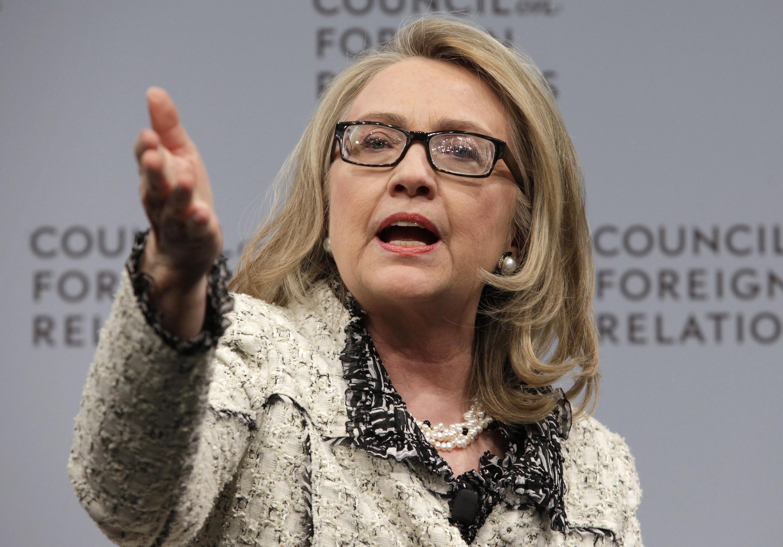 Hillary Clinton attend de Nouri al-Maliki plus de gestes d'ouverture à l'endroit des communautés sunnites et kurdes.