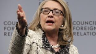 អតីតប្រមុខការទូតអាមេរិក លោកស្រី Hillary Clinton