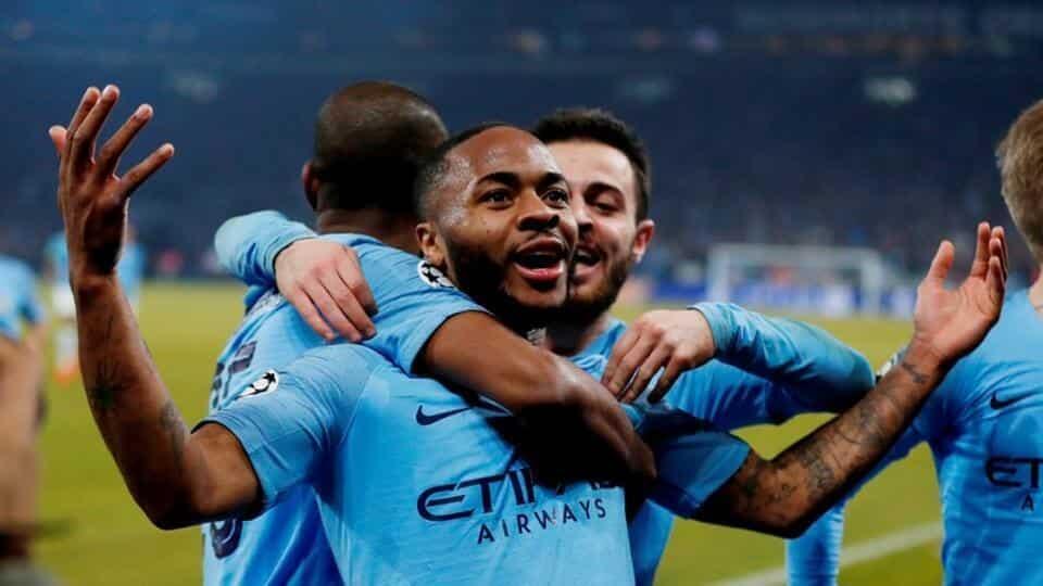 Dan wasan gaba na Manchester City Raheem Sterling bayan jefa kwallo ta 3 a ragar Schalke 04.