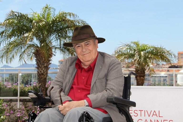 برناردو برتولوچی، کارگردان سرشناس سینما، سازندۀ «آخرین تانگو در پاریس» بامداد دوشنبه ٢٦ نوامبر/ ۵ آذر، در سن ٧٧ سالگی در رُم درگذشت.
