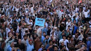 Lors d'une manifestation organisée par le Mouvement de protection pachtoune, le 22 avril 2018, à Lahore.