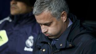 José Mourinho deixa o Real Madri sem conquistar a cobiçada Liga dos Campeões.