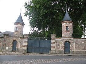 蘇茲拉-布里舍城堡(château de Souzy-la-Briche)大門