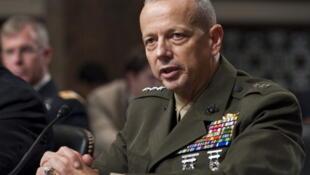 Après la convocation du général John Allen, commandant de l'Isaf (photo) et de l'ambassadeur américain Ryan Crocker lundi 7 mai 2012, la force de l'Otan en Afghanistan s'est excusée ce mardi de la mort d'une famille dans le Helmand.