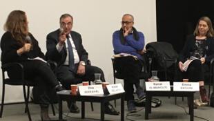 Au centre: Ahmed Bedjaoui et Kamal El Mahouti.