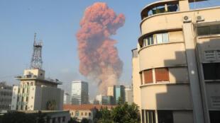 Dos poderosas explosiones en Beirut dejaron más de un centenar de muertos y miles de heridos y provocaron incontables daños en la capital libanesa