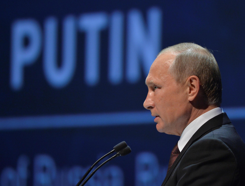Le président russe Vladimir Poutine, à Istanbul, le 10 octobre 2016.