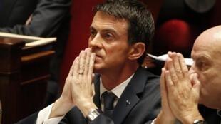 El primer ministro Manuel Valls en la Asamblea Nacional francesa, 19 de noviembre de 2015.