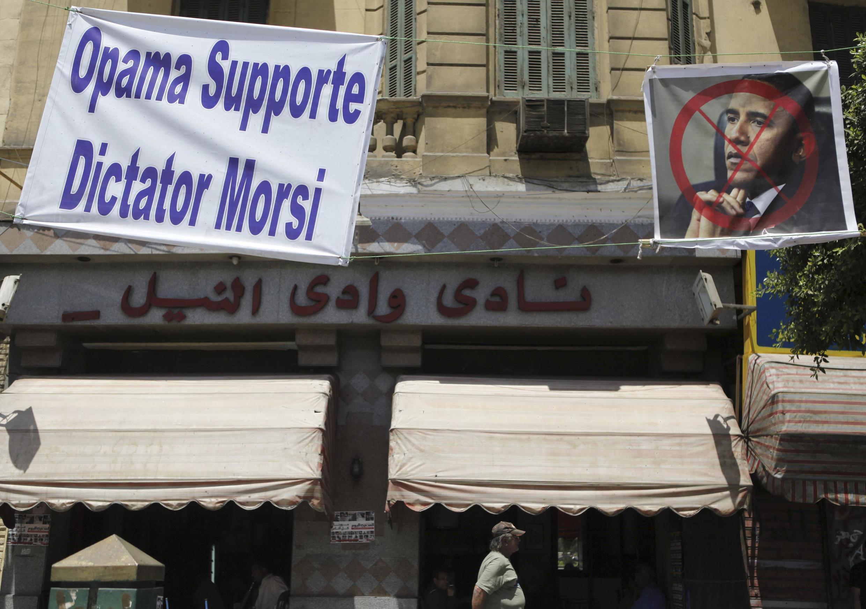 En juin 2013, les Etats-Unis étaient soupçonnés de soutenir Morsi. Six mois plus tard, ils semblent plutôt préférer le retour des militaires.