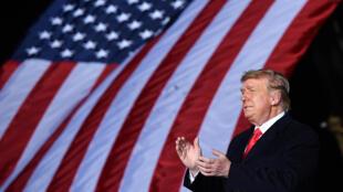 El presidente estadounidense, Donald Trump, habla desde Dalton, en Georgia, el 4 de enero de 2021