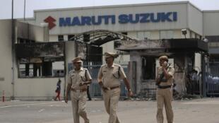 L'usine de Maruti-Suzuki à Manesar, devastée à la fin du mois de juillet 2012, rouvre ses portes.