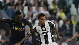 Dani Alves (avec le ballon) a fait souffrir Benjamin Mendy et Monaco avec un but et une passe décisive à son actif.