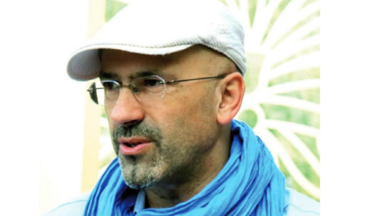 Le cinéaste algérien, Malek Bensmaïl.