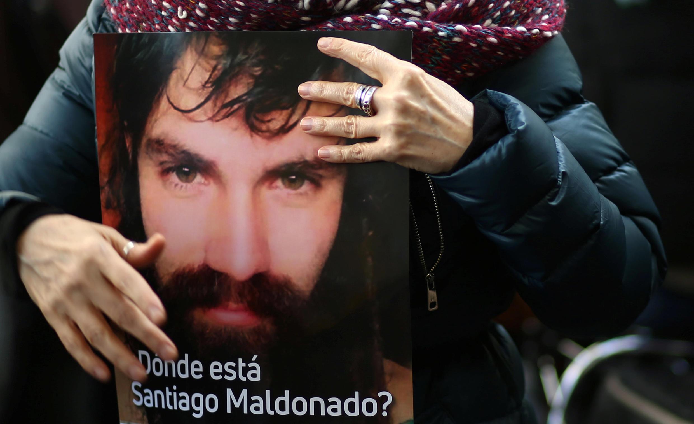 «Où est donc Santiago Maldonado?». Ce jeune militant solidaire de la cause autochtone mapuche, a été vu pour la dernière fois le 1er août 2017, après avoir été emmené par la gendarmerie.