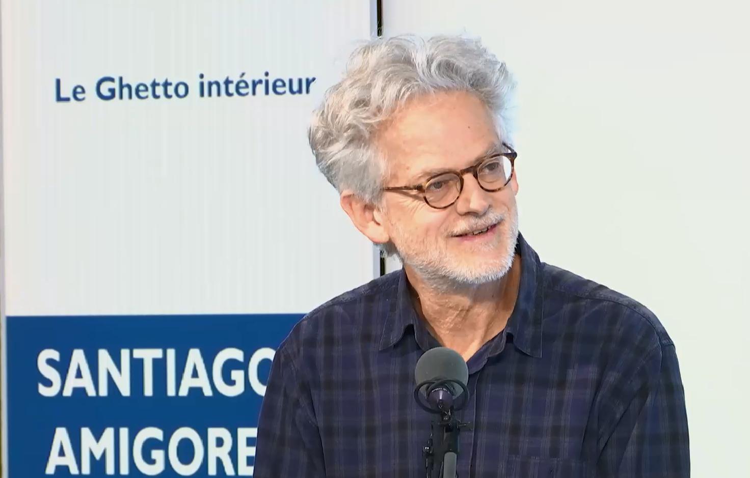 El escritor Santiago H. Amigorena en el programa de Escala en París de RFI y France24.