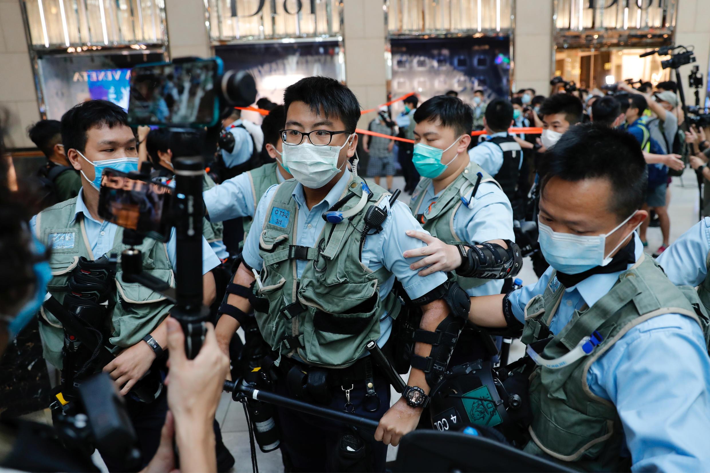 2020-06-30T071553Z_2066840926_RC2JJH9FF08A_RTRMADP_3_CHINA-HONGKONG-SECURITY-PROTESTS
