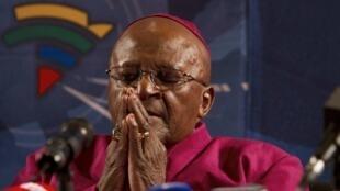 L'archevêque Desmond Tutu lors d'une messe en l'hommage de Nelson Mandela.