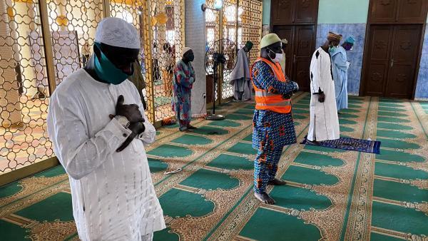 Au Nigeria, la ville de Lagos a décidé la réouverture des lieux de culte.