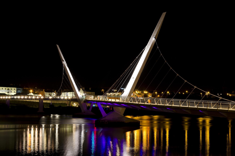 Le pont de la paix, à Londonderry.