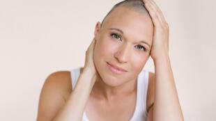 A atriz e cantora canadense, Anne-Lise Nadeau, conversou com a RFI sobre como viveu a perda de seus cabelos.