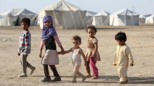Un camp de déplacés par les combats dans la province d'al-Jawf, au nord du Yémen, entre les forces gouvernementales et les Houthis, à Marib, le 8 mars 2020.