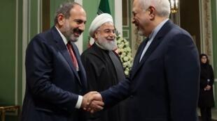Премьер-министр Армении Никол Пашинян, президент Ирана Хасан Рухани и глава иранского МИД Мохаммад Джавад Зариф, Тегеран, 27 февраля 2019