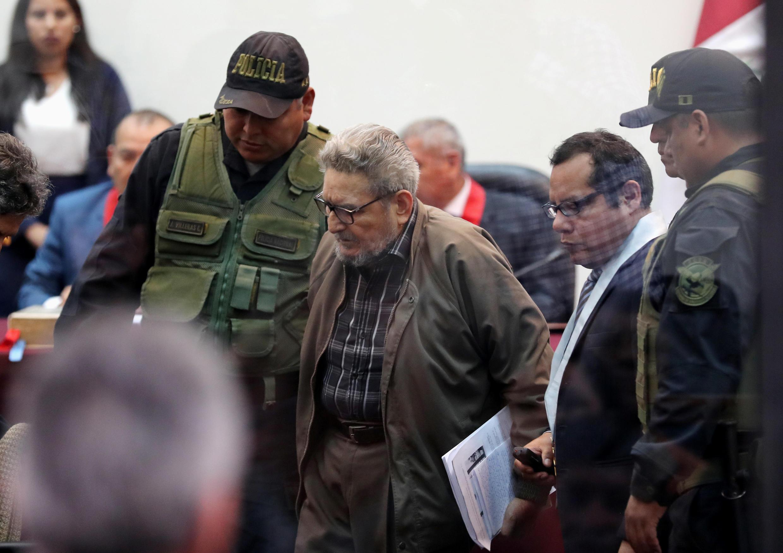 Abimael Guzmán, líder máximo de Sendero Luminoso, durante la sentencia contra los exguerrilleros en la prisión de Callao, Perú, el 11 de septiembre de 2018.