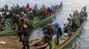 Miembros de las FARC están a punto de devolver sus armas en Gallo, departamento de Córdoba, este 1 de febrero de 2017.