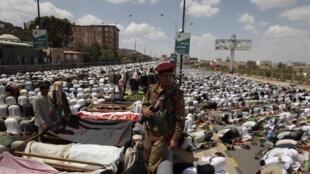 3 juin 2011: funérailles des manifestants tués ces derniers jours à Sanaa.