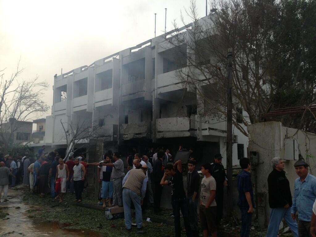 L'ambassade de France a été fortement endommagée.